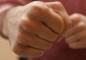 У місті Житомирської області молодики побили 39-річного знайомого: чоловік помер у лікарні
